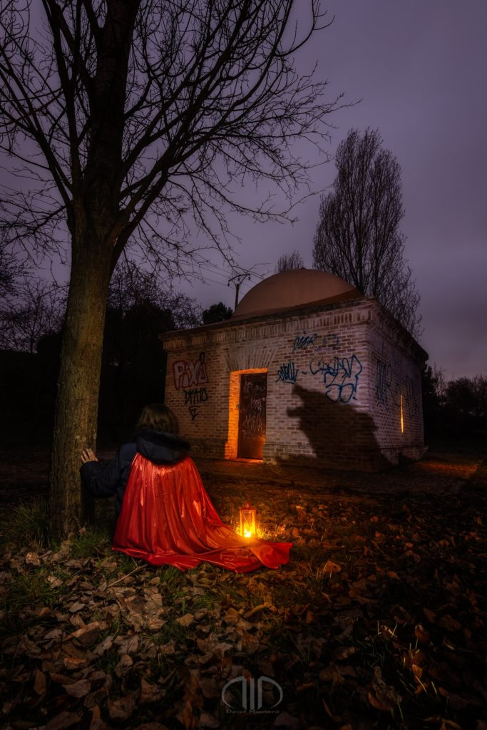 Caperucita Roja light painting nocturna
