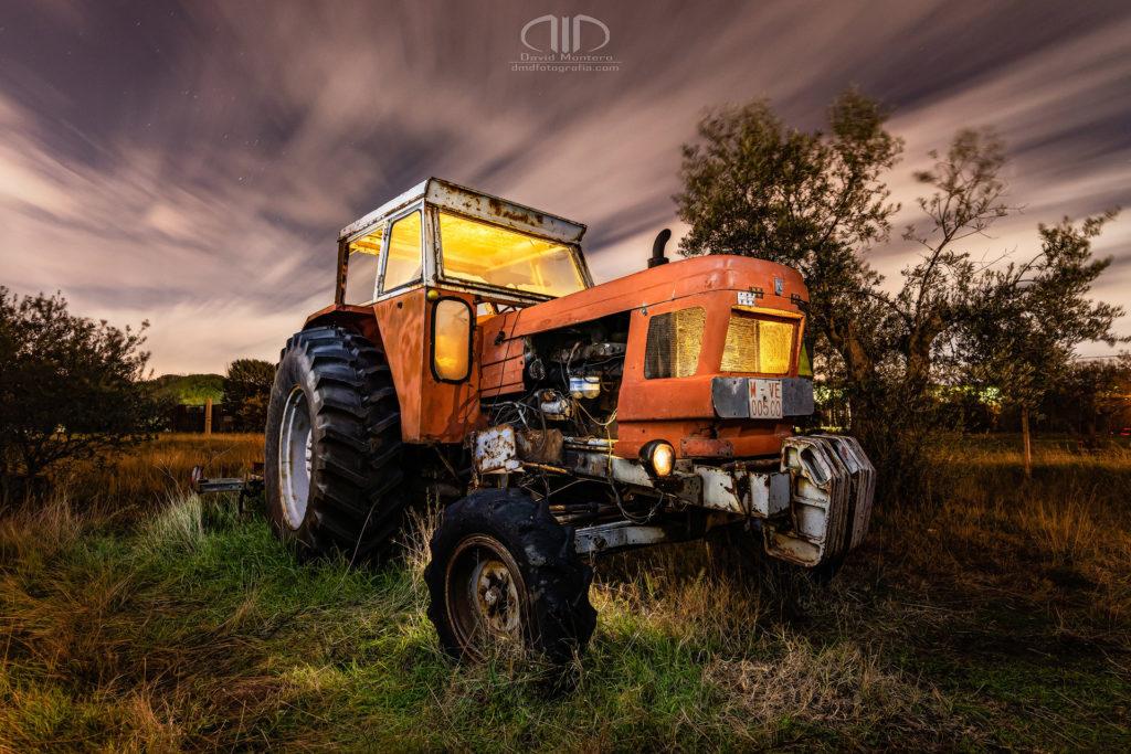 S20 Agricultura - fotografía nocturna tractor