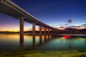 dest Sunset Highway larga exposicion embalse