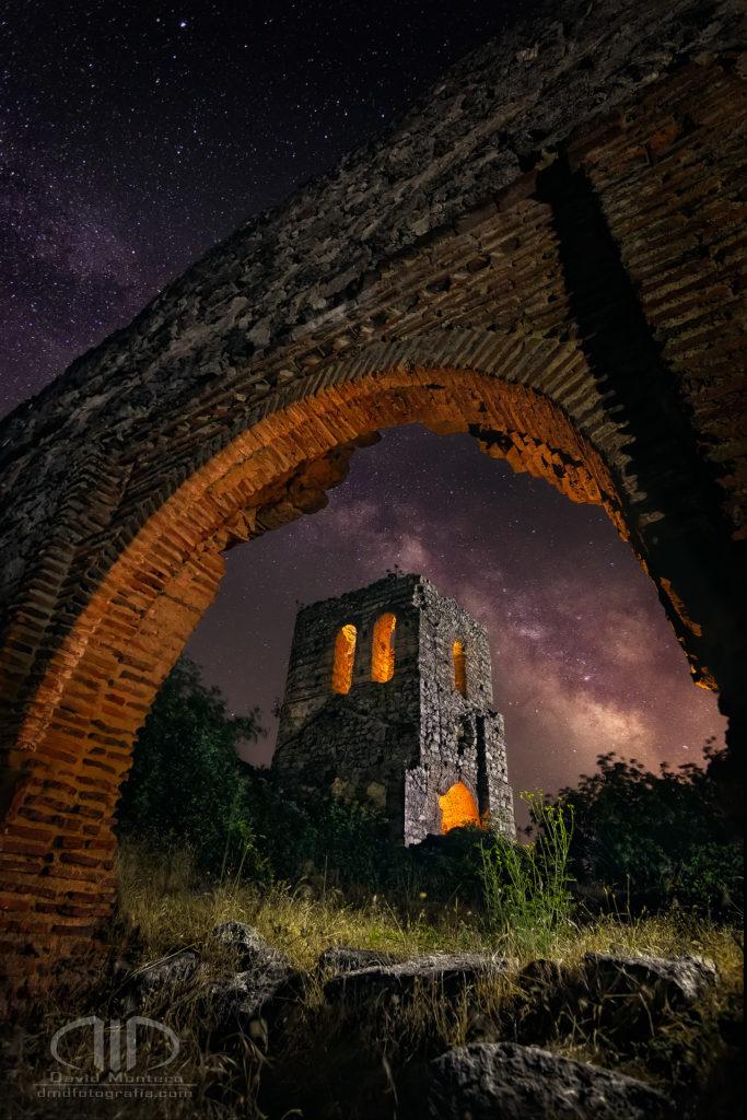 Ora pro nobis - vía lactea y ruina